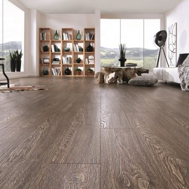 krono_original_vintage_classic_bourbon_oak_k052_10mm_ac4_laminate_flooring_room_shot_wood2u